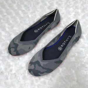 NEW Rothys 8.5 Rare Gray Camo The Flat Round Toe